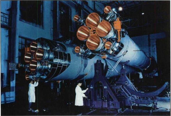 FROM FIRST SATELLITE TO ENERGIA - BURAN and MIR