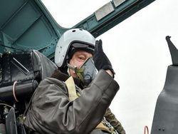 Poroshenko did some flying on the repaired fighter Su-27